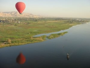 Crossing the nile by hot air balloon