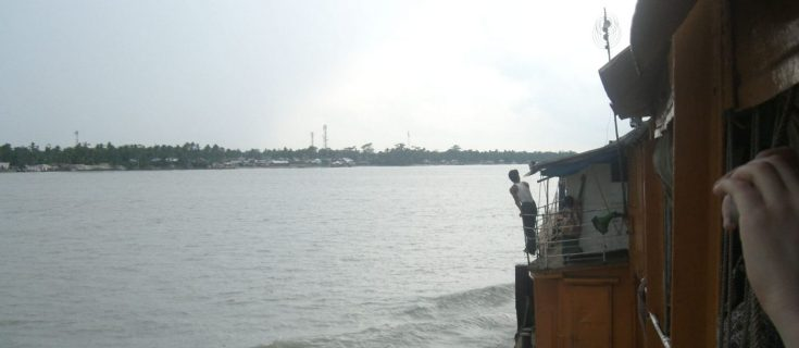 Backing in Bangladesh, boat from dhaka