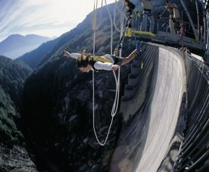 James bond bungee jump goldeneye