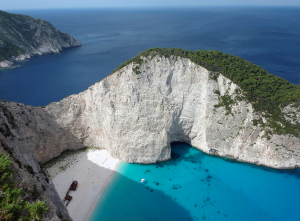 shipwreck beach zante greece