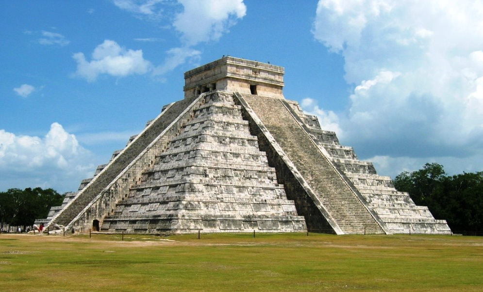 the man made wonders of the world one step ward so what are the seven wonders of the world well chichen itza is number 7