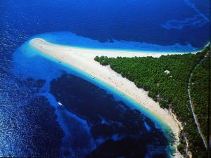 beach-spit-zlatni-rat-croatia