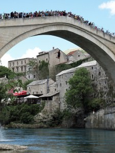 mostar old bridge diving