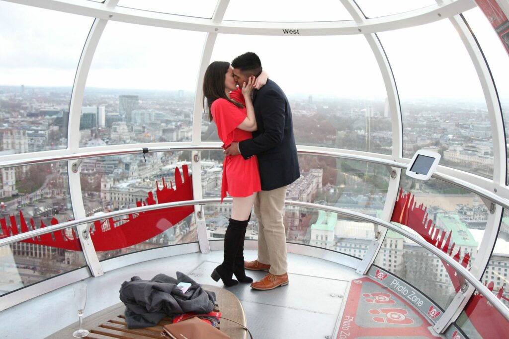 Propose in the London Eye