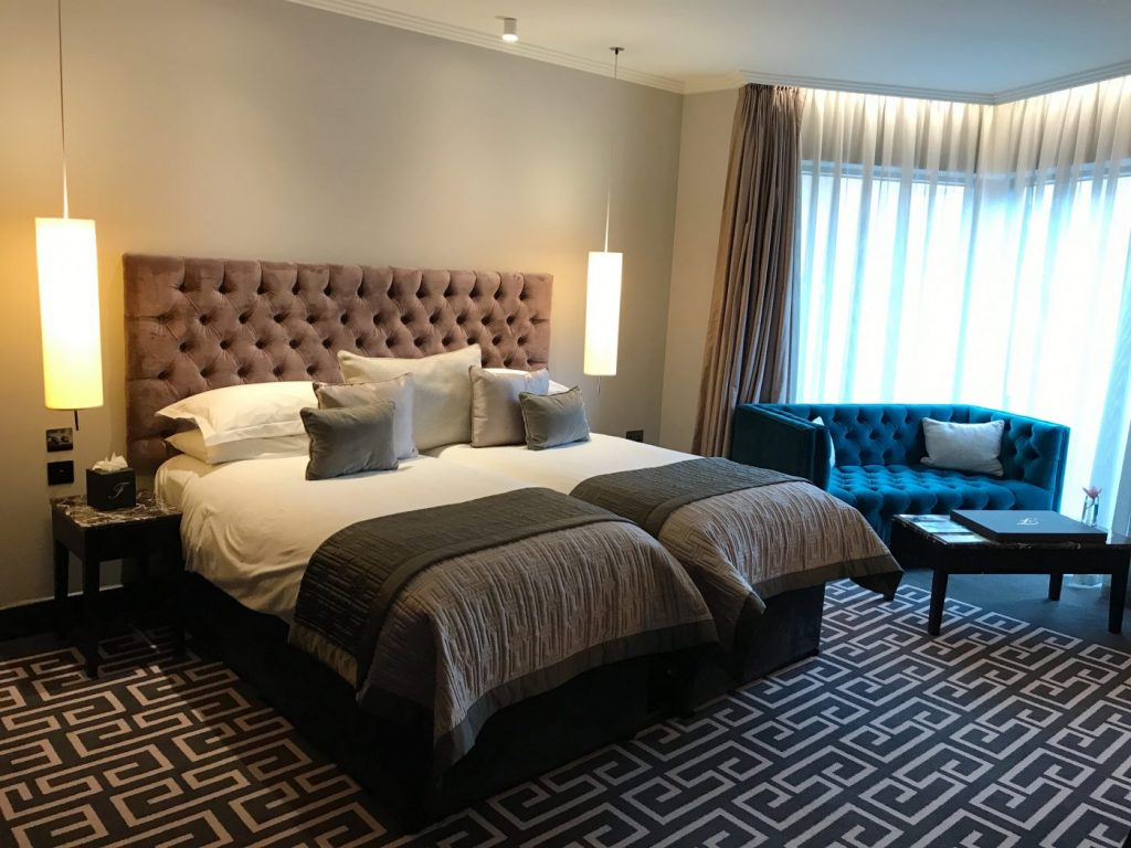 Fitzwilliam Hotel Belfast room