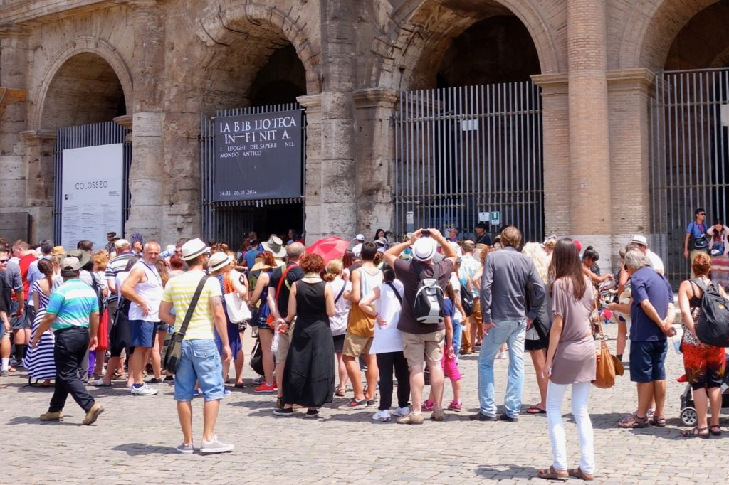 Colosseum queues
