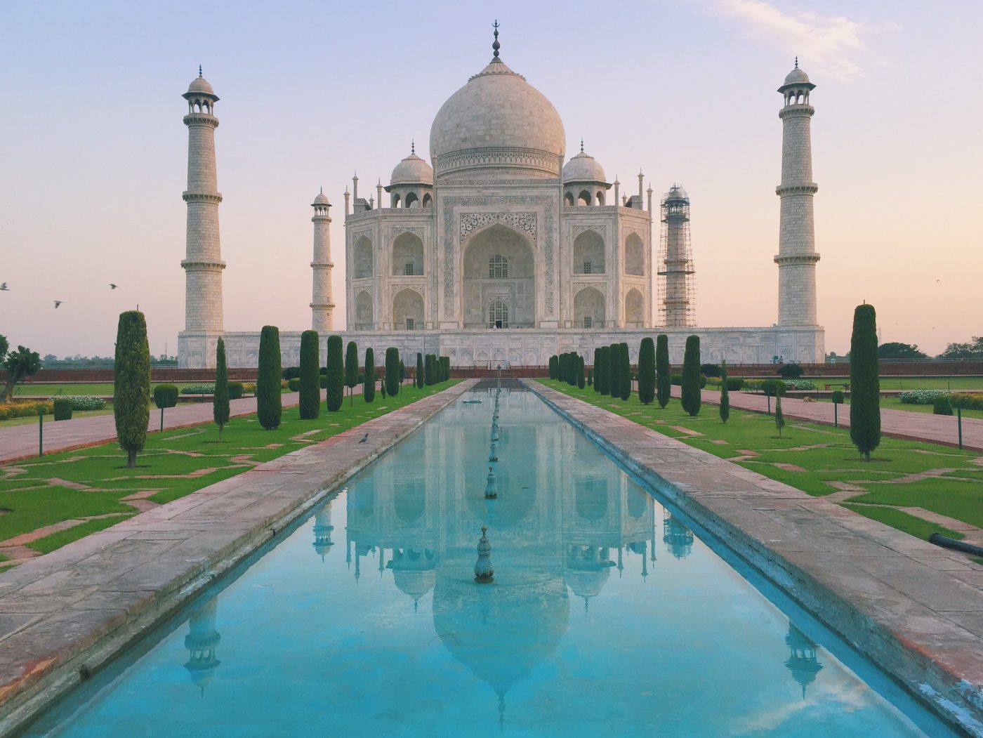 a visit to historical place taj mahal visit to a historical place – taj mahal there are many beautiful and worth seeing historical places in india but the taj mahal of agra is the most beautiful of all.